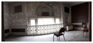 Mezzanine Front Room